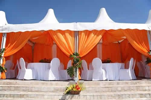 location de chapiteau var 83 mariage barnum salon entreprise. Black Bedroom Furniture Sets. Home Design Ideas