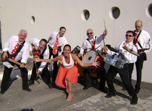 Swing'n'Soul : Orchestre sur scène et déambulatoire