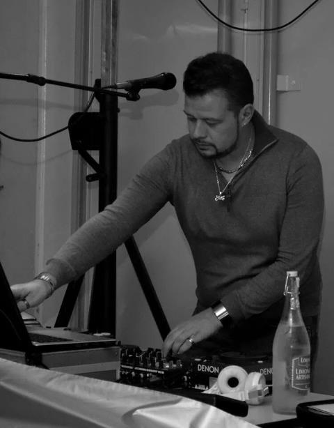 axelle evens : DJ animateur de soiree