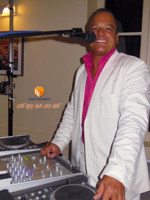 FIESTAGENCY : DJ ANIMATEUR
