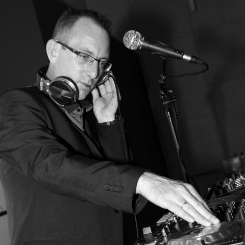 FABIEN BALLAND ANIMATION : DJ - Animateur de soirée