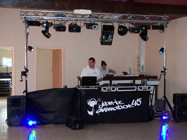Jean-Luc Animation 45 : DJ discomobile mariage