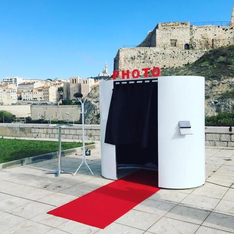FLASHBOX : Location de photomaton ludique