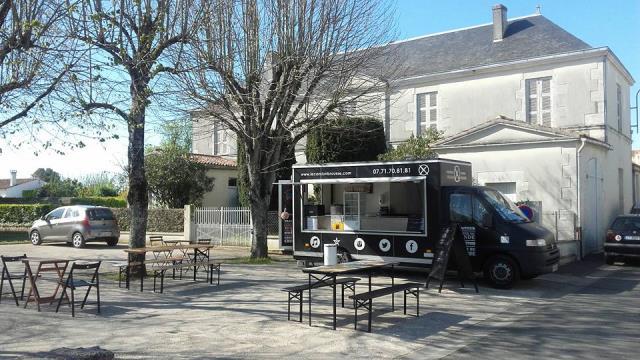 location camion cuisine latest dco leroy merlin cuisine everest saint denis photo surprenant. Black Bedroom Furniture Sets. Home Design Ideas