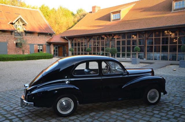 location vintage location de voiture ancienne valenciennes. Black Bedroom Furniture Sets. Home Design Ideas