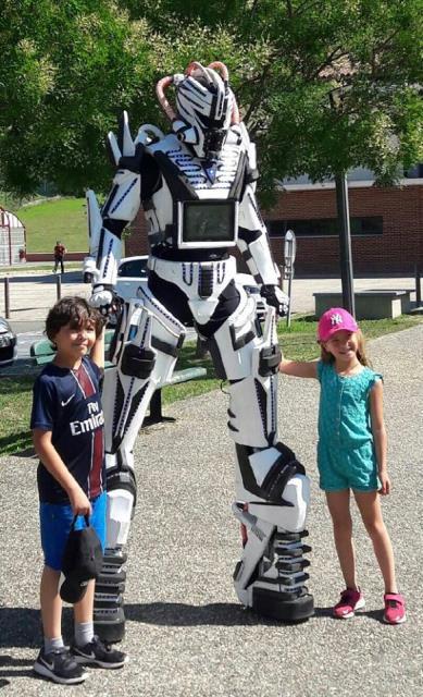 Lumynight : Nouveau: Robot géant lumineux