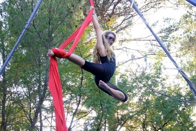 ROBERT Laetitia : Artiste cirque aérien