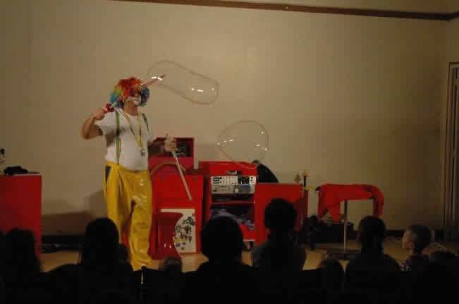 fredo le clown : clown magicien sculpture de ballons