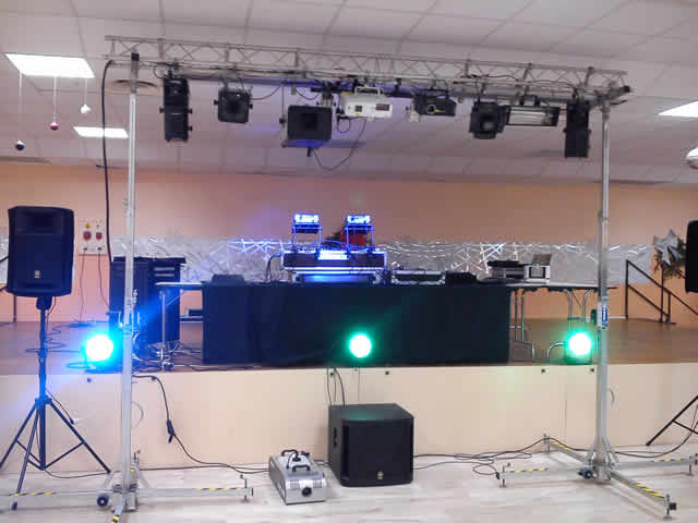 DJ ANIMATION : disc jockey