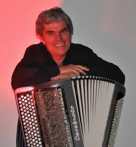 Guy NAVARRO Accordeoniste