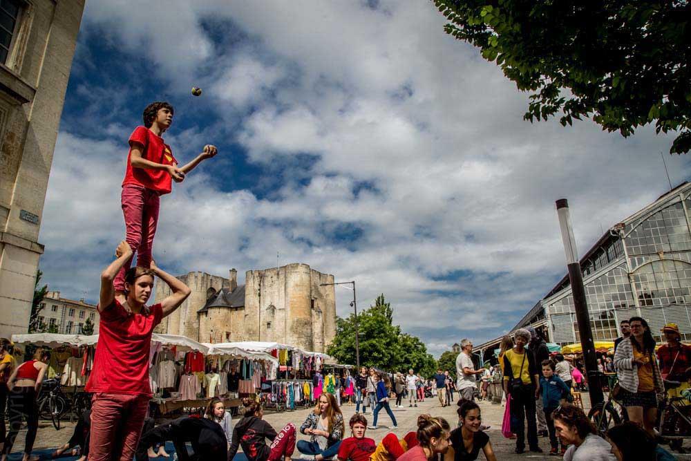 CIRQUE EN SCÈNE : Un spectacle de qualité avec un cirque