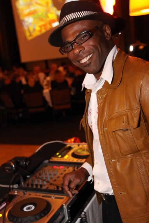 DJ RICO : DJ pour une fête unique