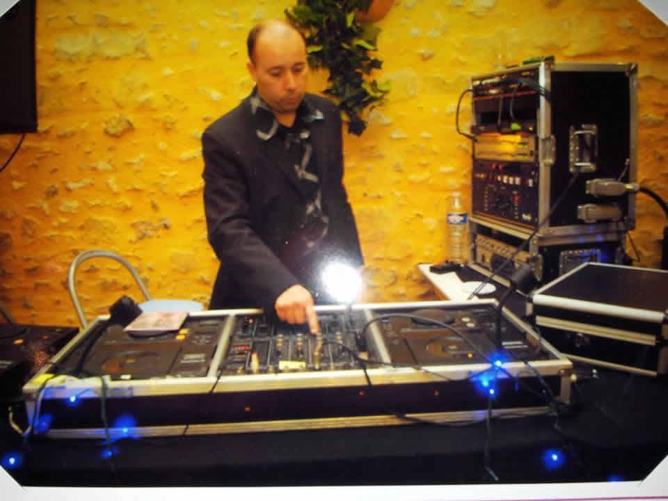DANCE LIGHT MUSIC : DJ pour tout événement