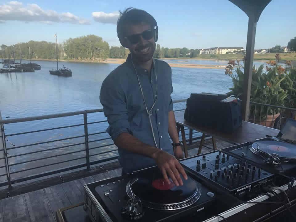 LA DISCOMOBILE ORLÉANAISE : Appelez un DJ pour votre cocktail