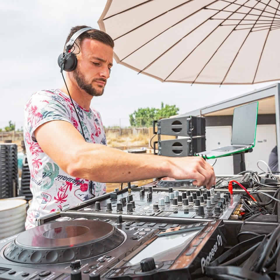 Antoine Ruiz DJ : Dj professionnel expérimenté