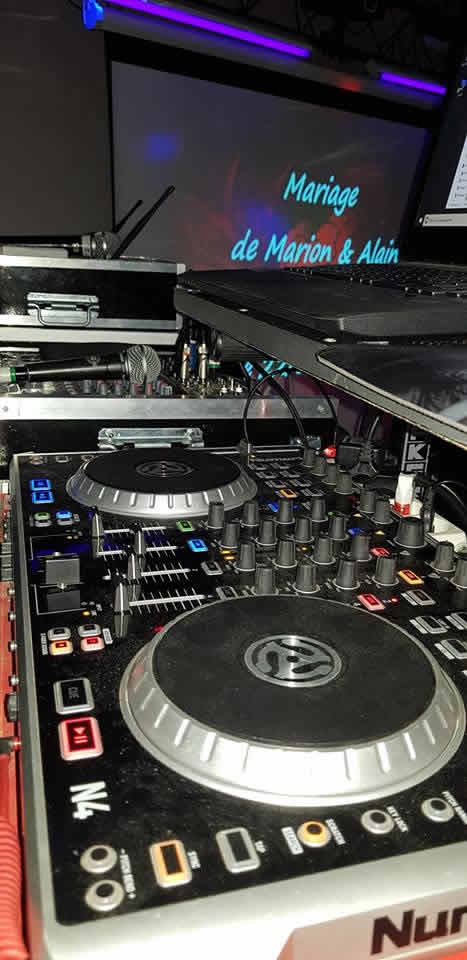 DJ Giova : DJ animation mariages,etc...