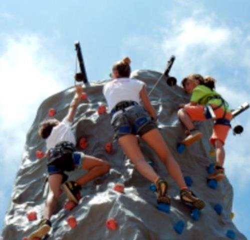Auriol Aventure : Spécialiste location de mur d'escalade