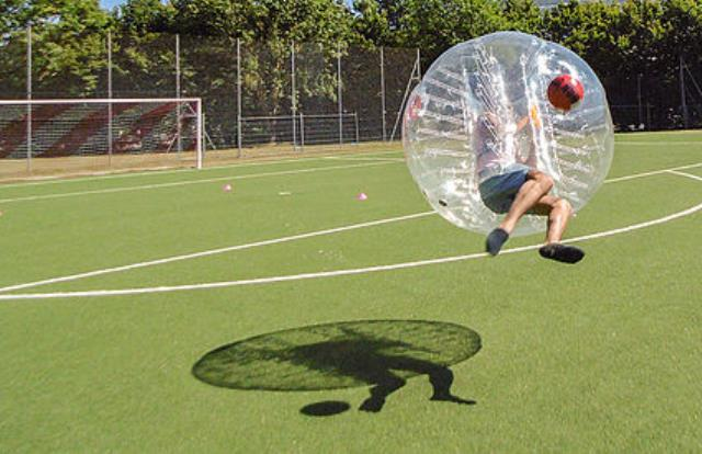 Swissfootbull : Venez testez le Bubble Foot !