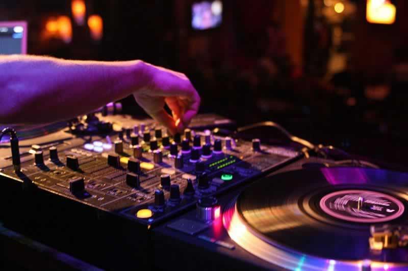 Dj Loïc  : DJ