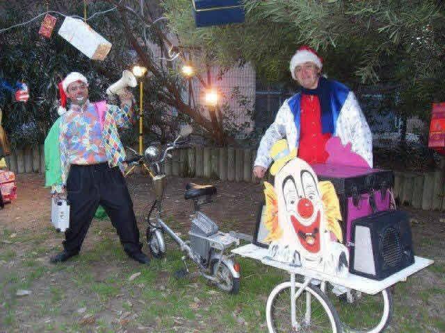 L'estrade en fête : clown magicien animateur cirque mickey