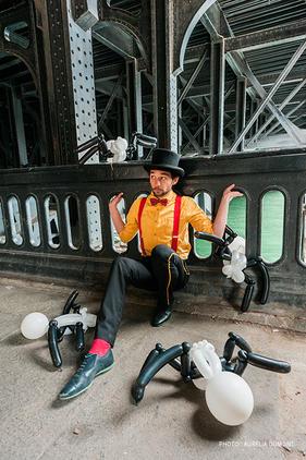 Manoel Artiste : jongleur et sculpteur de ballons
